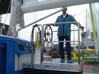 RVS / INOX heftafel op een jacht met veiligheidsbalg